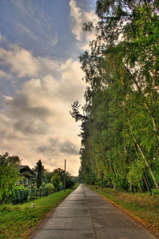 20081008151436_long_road